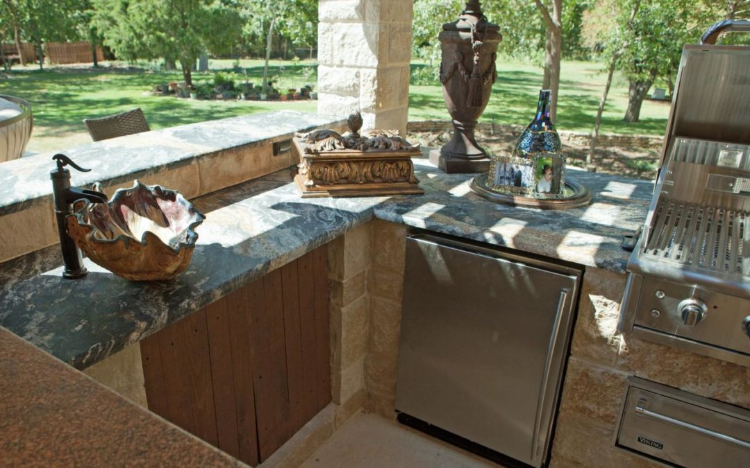Outdoor Kitchen Ideas and Inspiration To Help You Transform Your Backyard Into an Entertainment Hub. See Pics…